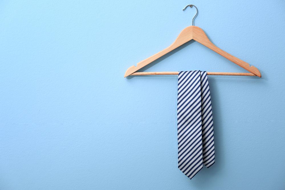 hanger with tie